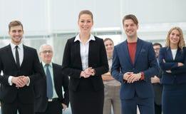 Groupe de gens d'affaires réussis semblant sûrs Photographie stock
