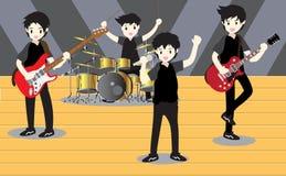 Groupe de jazz de musiciens, guitare de jeu, Saxophoneist ; trompettiste ; guitariste, batteur, guitariste solo, jazz-band de bas Photo stock