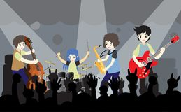 Groupe de jazz de musiciens, guitare de jeu, Saxophoneist ; trompettiste ; guitariste, batteur, guitariste solo, jazz-band de bas Photo libre de droits