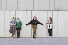 Groupe de jeunes amies d'adolescence Image stock