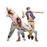 Groupe de jeunes danseurs d'houblon de hanche sur le fond blanc Photographie stock libre de droits