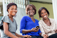Groupe de jeunes femmes heureuses images libres de droits