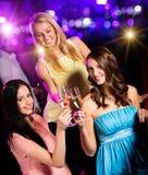 Groupe de jeunes filles ayant la célébration de partie Photo stock