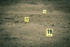 Groupe de marqueur de preuves dans l'enquête de scène du crime Photo stock
