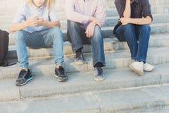 Groupe de personnes avec des instruments extérieurs, l'espace de copie Photographie stock