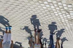 Groupe de personnes avec des ombres photo stock