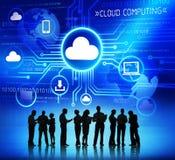 Groupe de personnes d'entreprise discutant au sujet du calcul de nuage illustration libre de droits