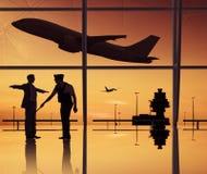 Groupe de personnes dans l'aéroport Image stock