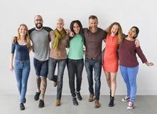 Groupe de personnes divers le concept d'unité de la Communauté images libres de droits