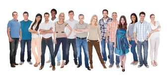 Groupe de personnes habillés dans occasionnel Image libre de droits