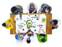 Groupe de personnes multi-ethnique idées de planification Images libres de droits
