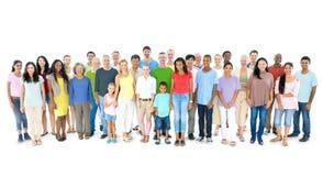 Groupe de personnes multi-ethnique se tenant tranquilles Images libres de droits