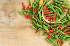 Groupe de piment vert et brun rouge Photographie stock libre de droits