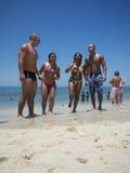 Groupe de plage brésilienne Rio d'Ipanema d'amis Photos libres de droits