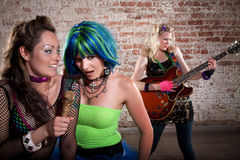 Groupe de rock punk féminin photo stock