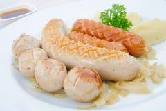 Groupe de saucisses grillées image stock