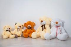 Groupe de se reposer mignon d'ours de nounours Photos libres de droits