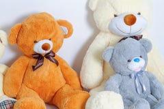 Groupe de se reposer mignon d'ours de nounours Photo stock