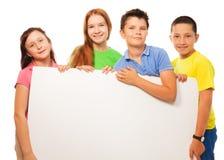 Groupe de signe d'exposition d'enfants Images libres de droits