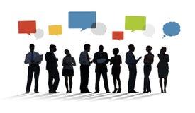 Groupe de silhouette de gens d'affaires avec des bulles de la parole Photo stock