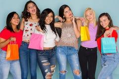 Groupe de six amis de l'adolescence divers Photos libres de droits