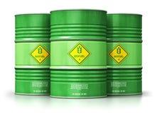 Groupe de tambours verts de combustible organique d'isolement sur le fond blanc Images libres de droits