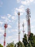 Groupe de tour de télécommunication Images libres de droits
