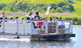 Groupe de touristes dans le delta de Danube Photo stock