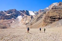 Groupe de trekkers dans la montagne de Fany Photo stock