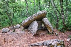 Groupe de trois dolmens Grandes pierres images stock