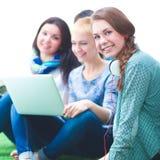 Groupe de trois filles d'adolescent Photo stock