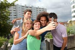 Groupe de verticale d'amis Photos libres de droits