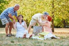 Groupe de vieillards ayant l'amusement Photo libre de droits