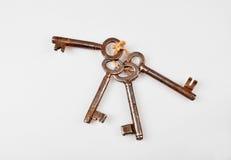 Groupe de vieilles clés rouillées Photos stock