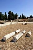 Groupe de visiteurs au site archéologique de la ville romaine d'Italica, Andalousie, Espagne Photographie stock libre de droits