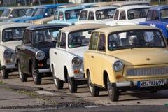 Groupe de voitures de Trabant à louer pour des visites guidées à Berlin image libre de droits