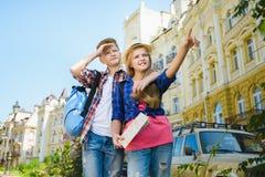 Groupe de voyage d'enfants en Europe Concept de tourisme et de vacances Image libre de droits