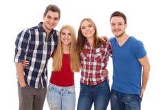 Groupe des jeunes heureux Photos stock