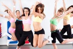 Groupe enthousiaste de femmes ayant l'amusement Photo libre de droits