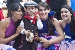 Groupe folklorique de l'Espagne et enfant sicilien Image libre de droits