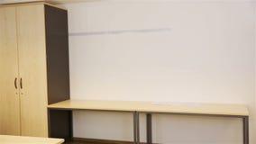 Groupe heureux d'étudiants d'adolescent banque de vidéos