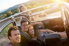 Groupe heureux des vacances Image stock