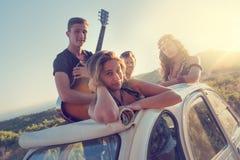 Groupe heureux des vacances Photographie stock