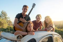 Groupe heureux des vacances Photo libre de droits