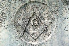 Groupe maçonnique de symbole sur la tombe de 19ème siècle Images libres de droits