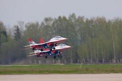 Groupe MIG-29 de décollage Photographie stock