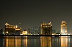 Groupe moderne d'hôtels dans Doha Qatar Image libre de droits