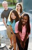 Groupe multi-ethnique d'adolescents Photos libres de droits
