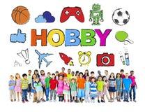 Groupe multi-ethnique d'enfants avec le concept de passe-temps Photographie stock libre de droits