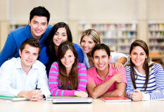 Groupe occasionnel d'étudiants Photo stock